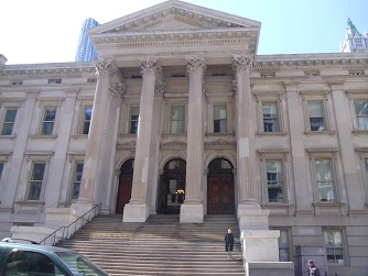 stately courthouse in Manhattan